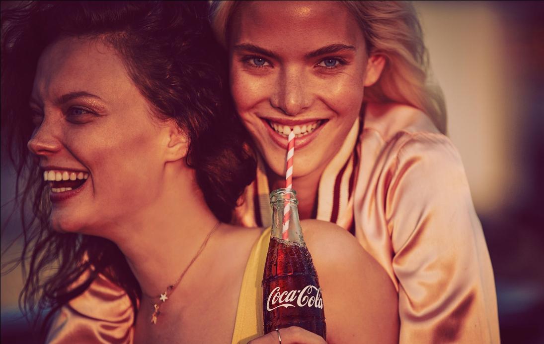 Resultado de imagen para coca cola campaña love is love