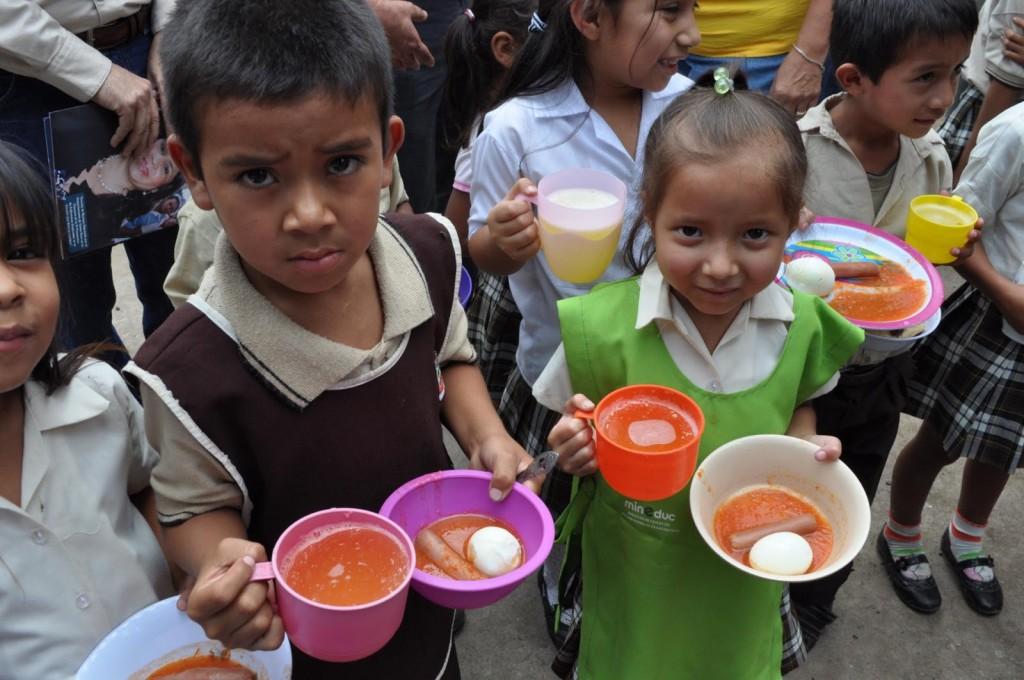 Se tiran toneladas de alimentos, pero el hambre crece